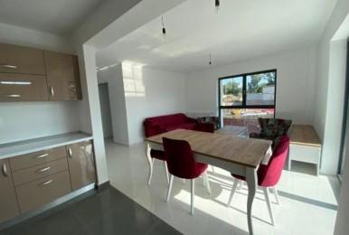 Spre vânzare apartament cu 2 camere decomandate, 55 mp, etajul 1. Zona Iris