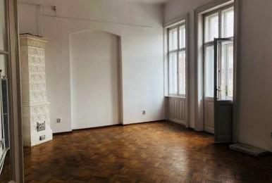 Apartament spatios cu 4 camere, amplasat in inima Clujului
