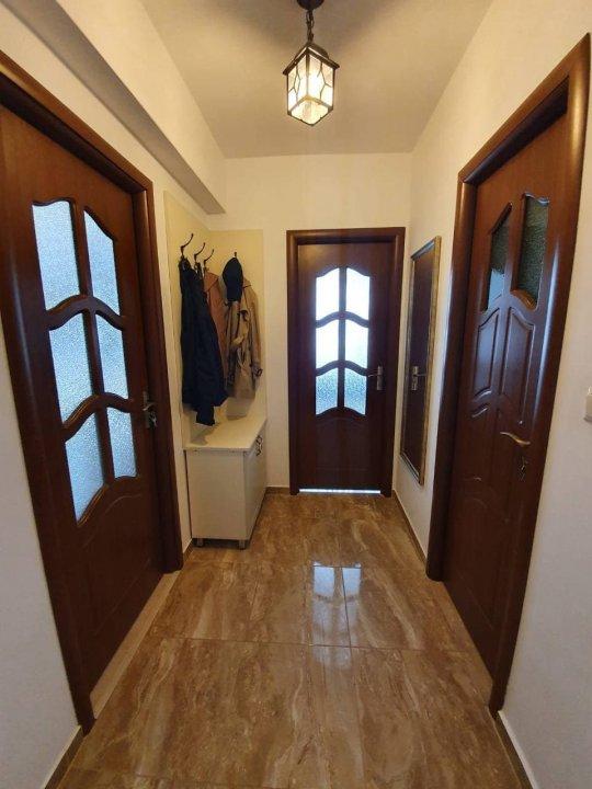 2 camere ultrafinisate + balcon, zona Iulius Mall, cartierul Intre Lacuri