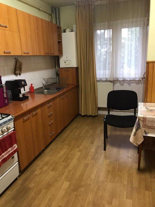 Spre inchiriere apartament cu 2 camere, zona Zorilor