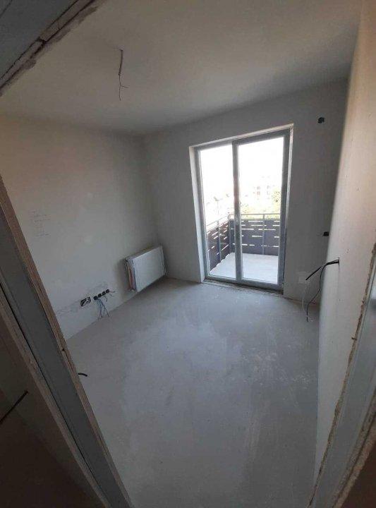 3 camere semifinisate + 2 balcoane, bloc nou, Mărăști