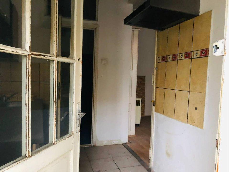 2 camere cu amplasare centrala, zonă accesibilă