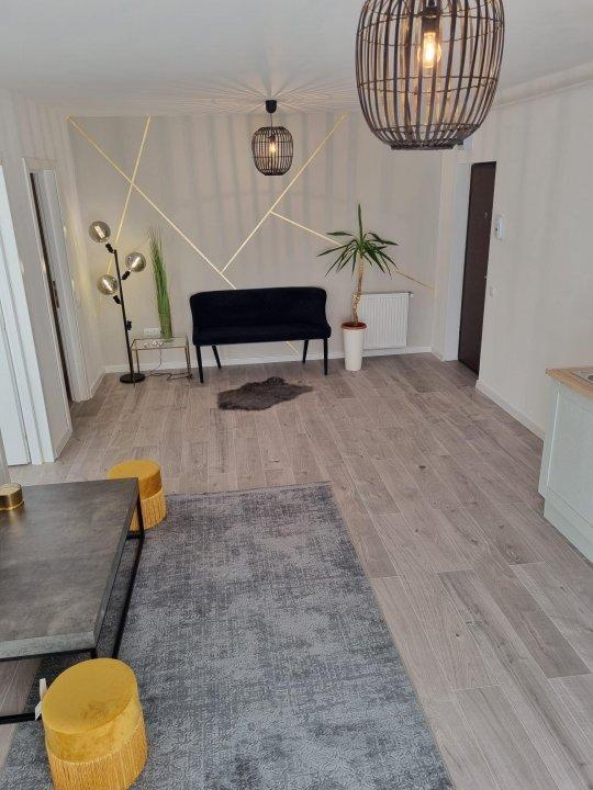 2 camere ultrafinisate + balcon si loc de parcare, Florești